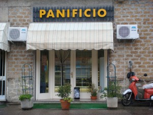 """Day 12 Photo- where to find the best """"pizza bianca"""" on the planet!"""